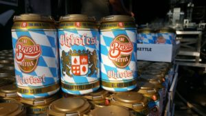Oktofest 2019 6 pack cans